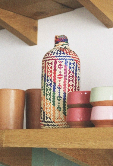 Botella tejida